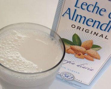 ¿Conoces a alguien que compra leche de almendras? Dile que se detenga. Esta es la razón