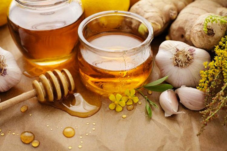 Si comes ajo y miel con el estómago vacío durante 7 días, esto es lo que te sucede