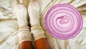 Estos son los beneficios para la salud de dormir con una rodaja de cebolla en tu calcetín