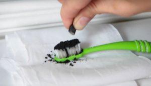 Cómo hacer que tus blancos dientes sean aún más blancos de una forma fácil y rápida