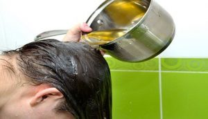 Cómo prevenir la caída del cabello gracias a este ingrediente. (Se incluye receta para cejas y pestañas)