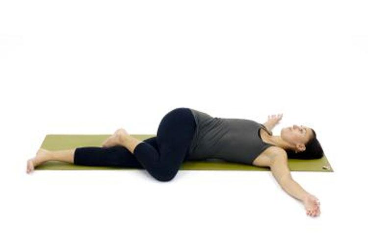 ¿Sabías que si haces esto antes de acostarte cada noche hará que duermas mejor?