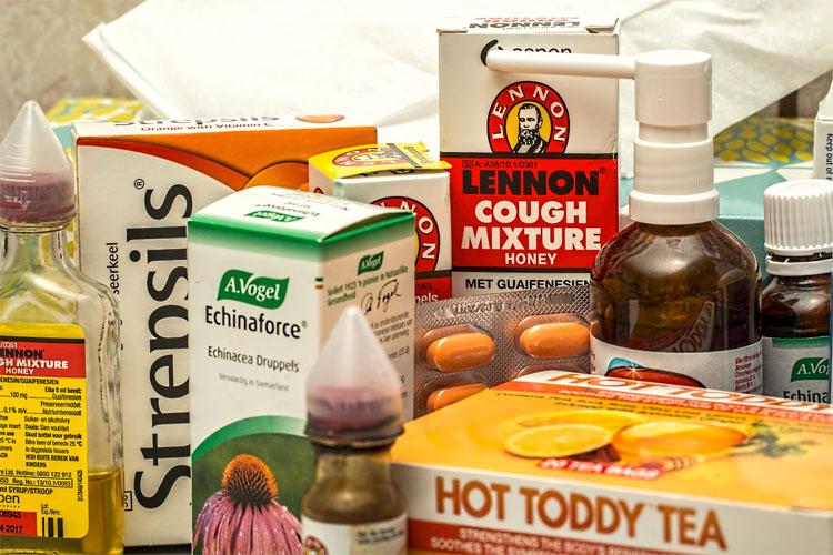 Trata la tos y elimina la mucosidad de los pulmones en una sola noche con este sencillo remedio
