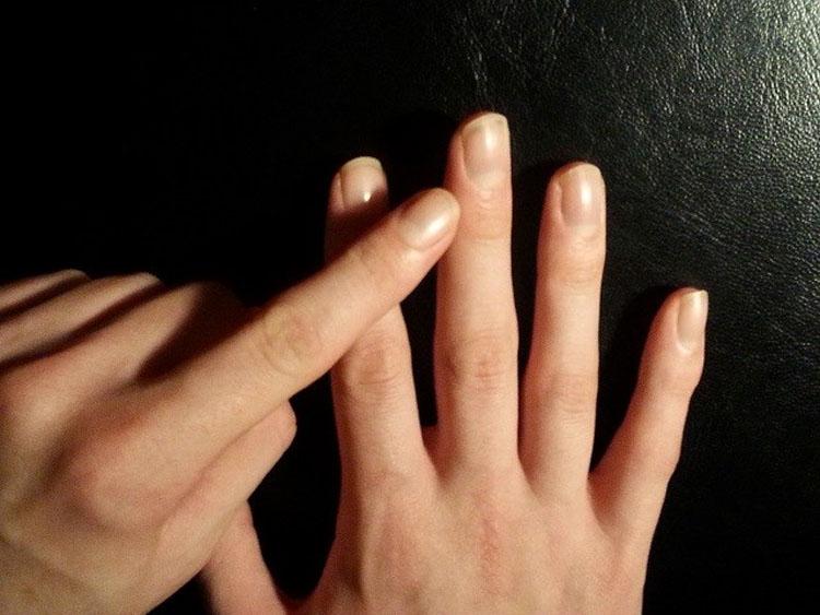 Si masajeas este dedo durante un minuto te sorprenderás de los resultados