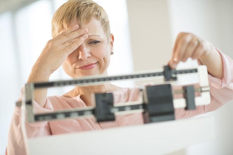 6 señales claras de advertencia de que su hígado está lleno de toxinas y está generando grasa