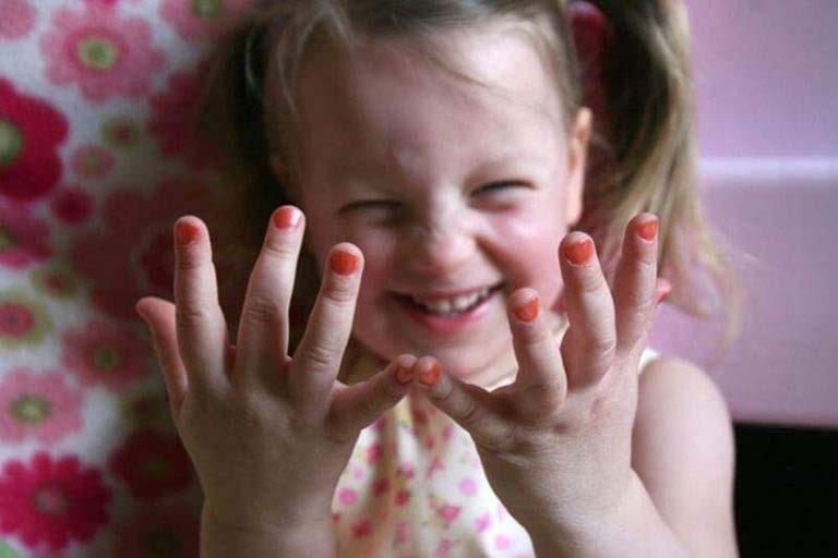 Esto es lo que le sucede a su cuerpo 10 horas después de ponerse esmalte de uñas