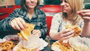 15 alimentos saludables para comer después de un atracón