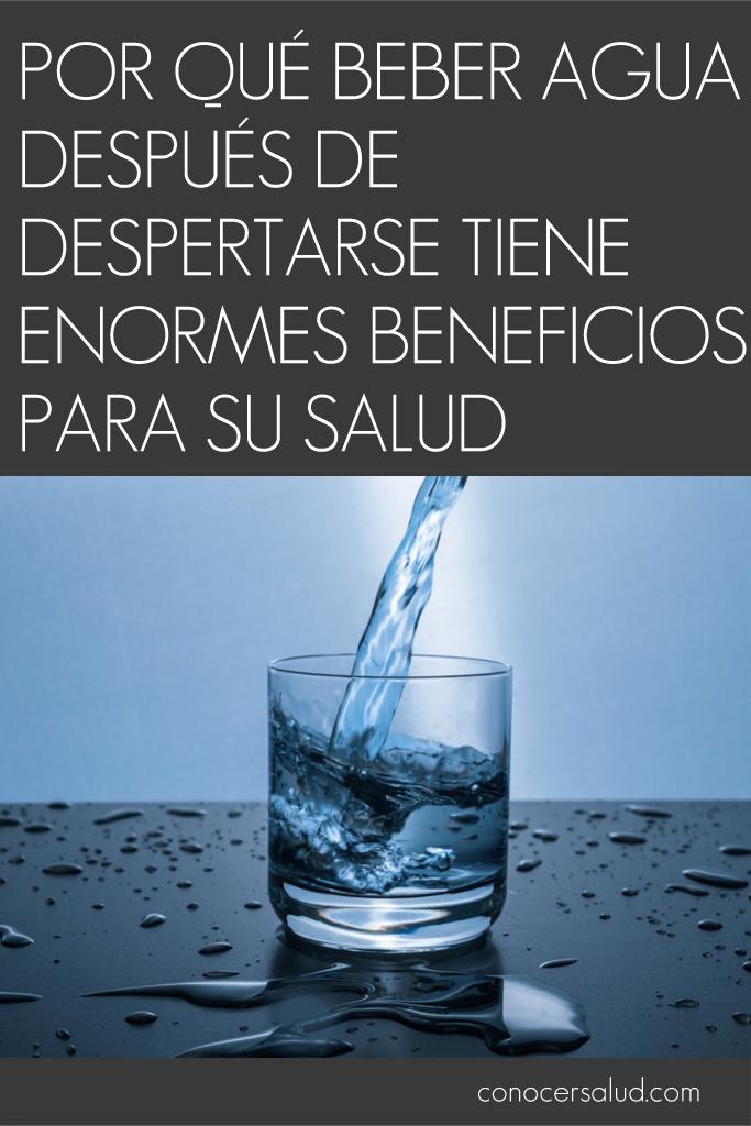 Por qué beber agua después de despertarse tiene enormes beneficios para su salud