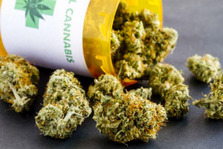 Revolucionario parche de cannabis trata con éxito la fibromialgia