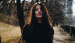 10 razones por las cuales la mayoría de los hombres no pueden manejar a una mujer fuerte
