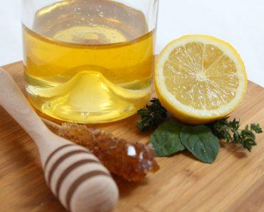Esto es lo que le sucede a su cuerpo si toma agua tibia de miel y limón por la mañana