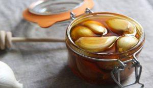 Esta increíble mezcla de miel y ajo aumentará tu inmunidad