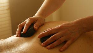 6 antiguas prácticas indias para curar el dolor de espalda y ciática