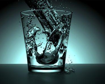 9 maneras diferentes en que el agua fría y caliente puede afectar a su cuerpo