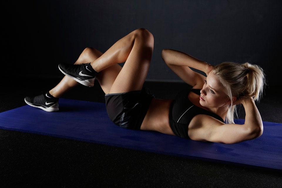 15 minutos de ejercicios cardiovasculares que puede hacer en cualquier lugar y momento
