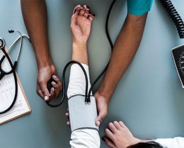 Cómo detectar las señales de presión arterial alta sin consultar a un médico