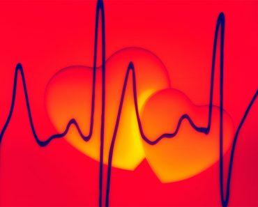 Síntomas comunes de advertencia para la enfermedad cardiaca y los ataques cardiacos