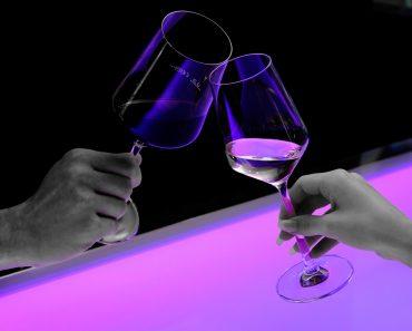 Estudio: Beber vino es más importante que el ejercicio para vivir más allá de los 90 años