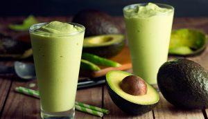 6 recetas de batidos y zumos de aguacate y sus beneficios