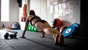 La ciencia explica lo que le sucede a tu cuerpo cuando haces tablas todos los días