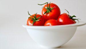 13 Beneficios del tomate: ¿Listo para este rojo remedio?