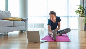 4 Consejos para mantenerse sano (y en forma) mientras se está atrapado en casa